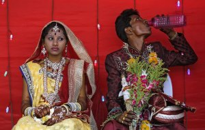 Image: Mass wedding on Akshaya Tritiya in Mumbai